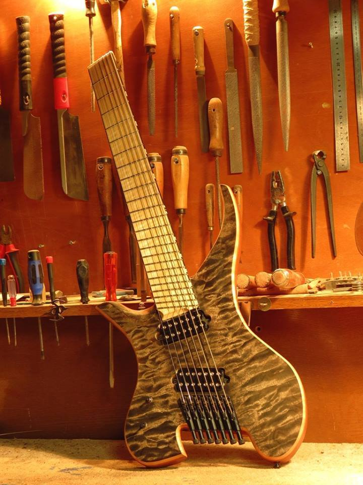 guitare AGH-7